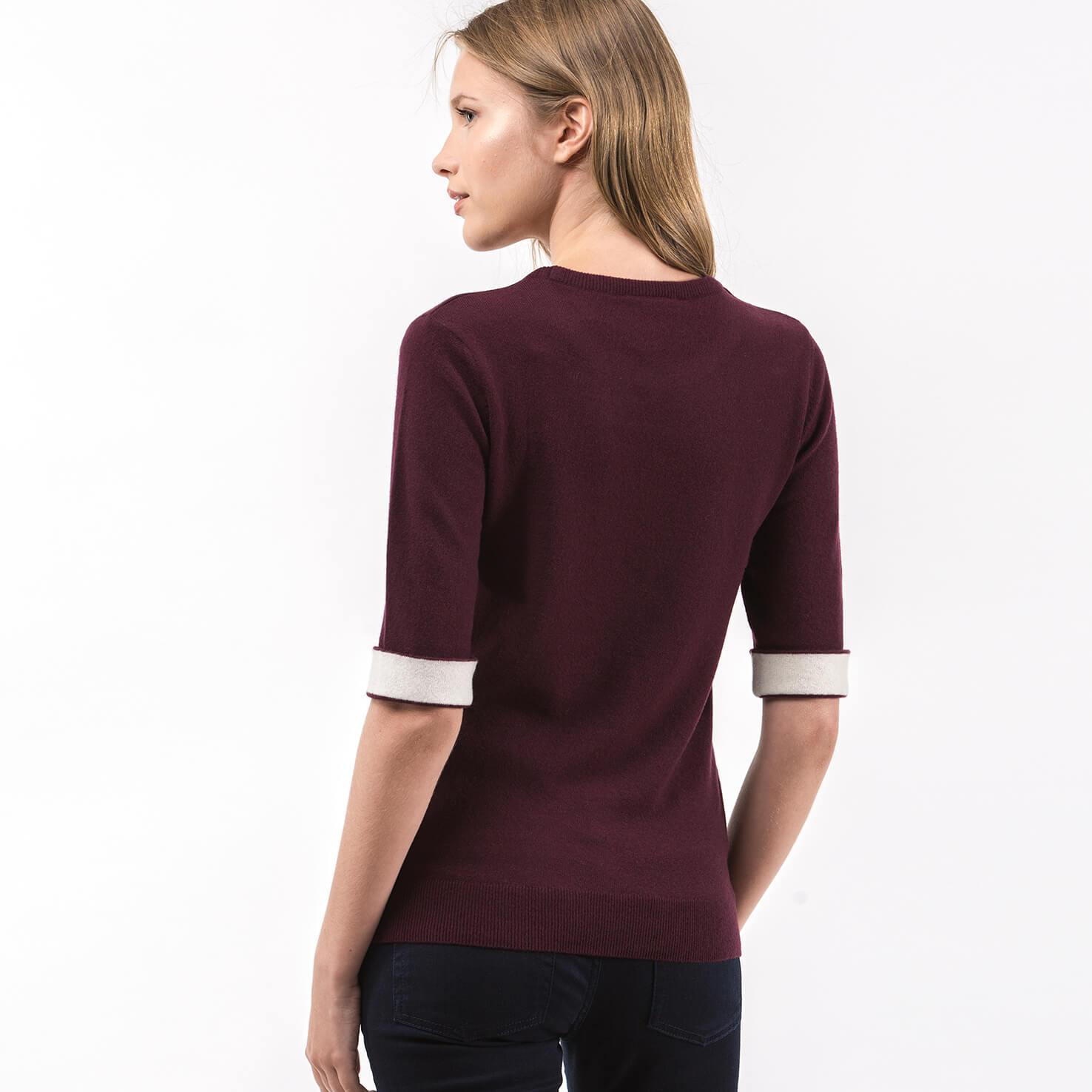 Фото 3 - Женский свитер Lacoste бордового цвета