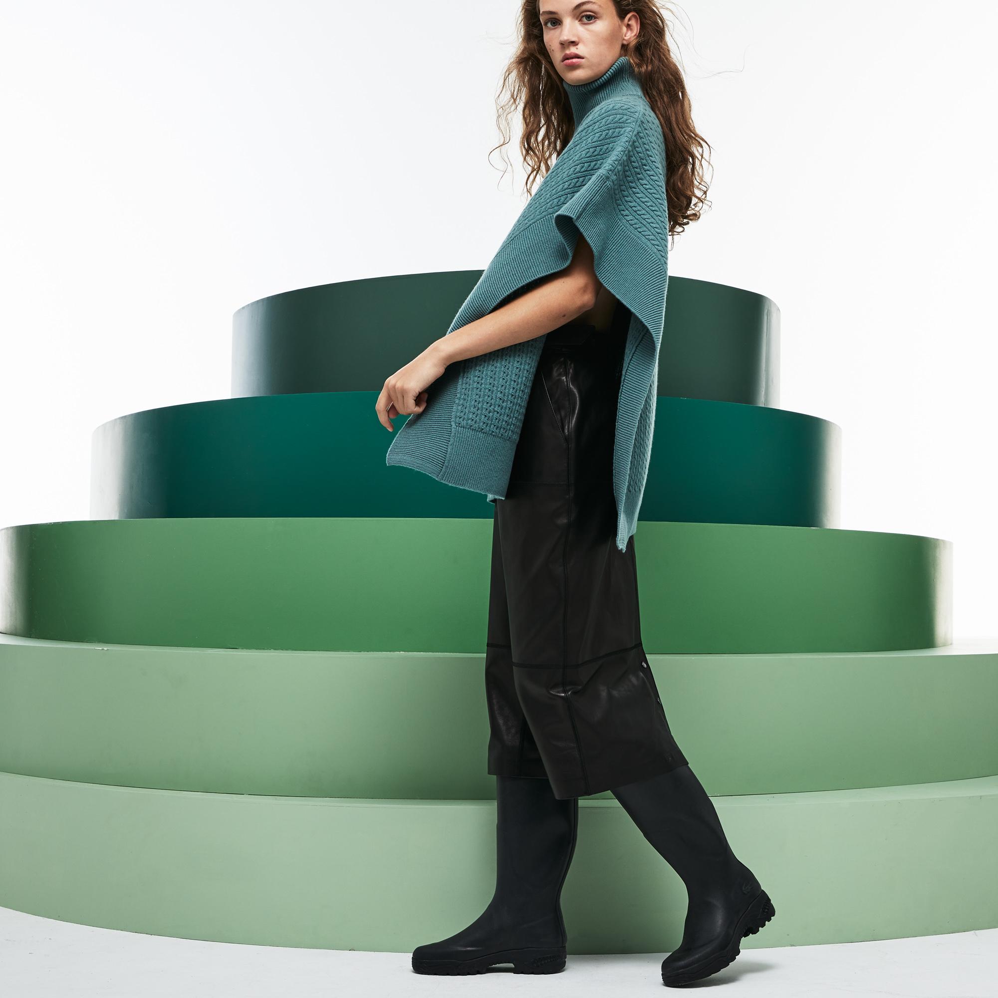 Фото 3 - Женский свитер Lacoste бирюзового цвета