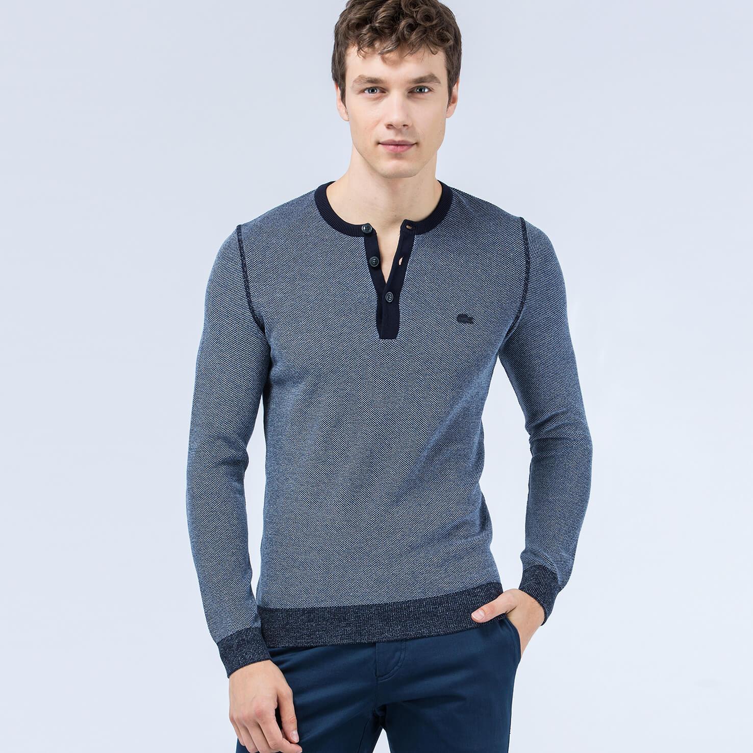 Свитер LacosteСвитеры<br>Оригинальный пуловер на пуговицах из 100% хлопка.