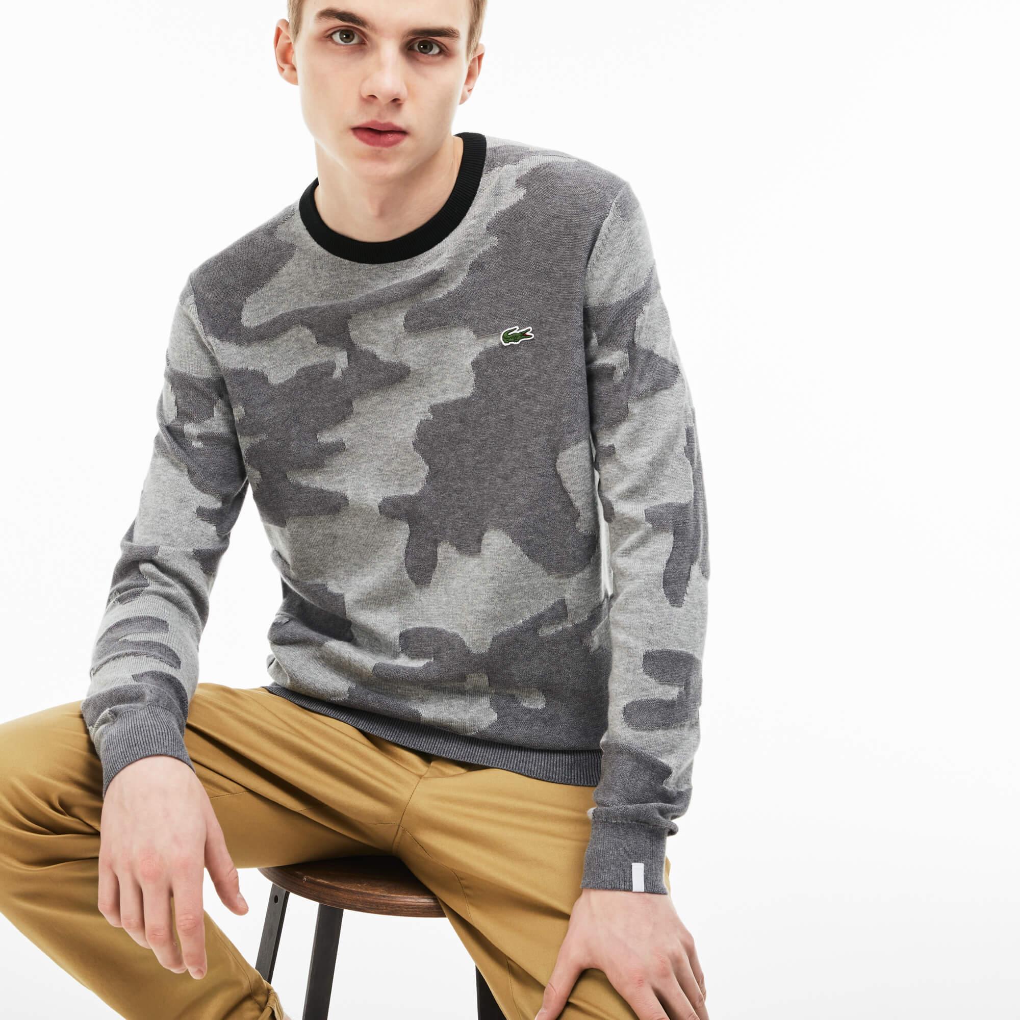 Свитер LacosteСвитеры<br>Детали: мужской свитер с принтом  \ Материал: 100% хлопок 91% хлопок 8% полиамид 1% эластан \ Страна производства: Гонконг