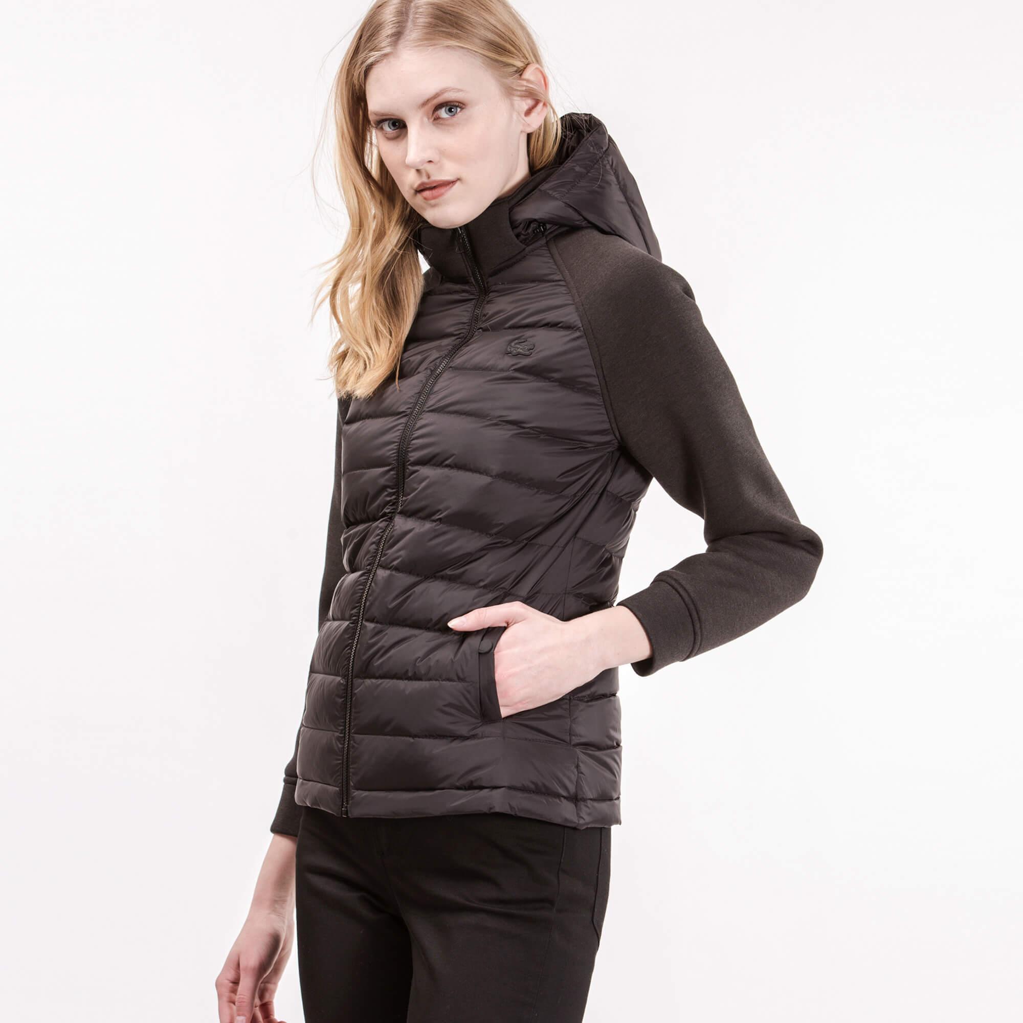 Фото 2 - Куртку Lacoste черного цвета