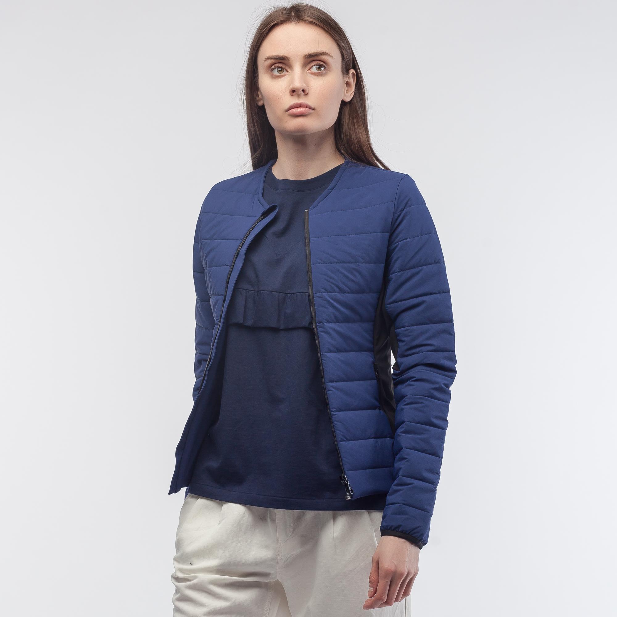 Куртка LacosteВерхняя одежда<br>Детали: стеганая женская куртка на молнии без капюшона  \ Материал: 98% нейлон 2% спандекс \ Страна производства: Беларусь