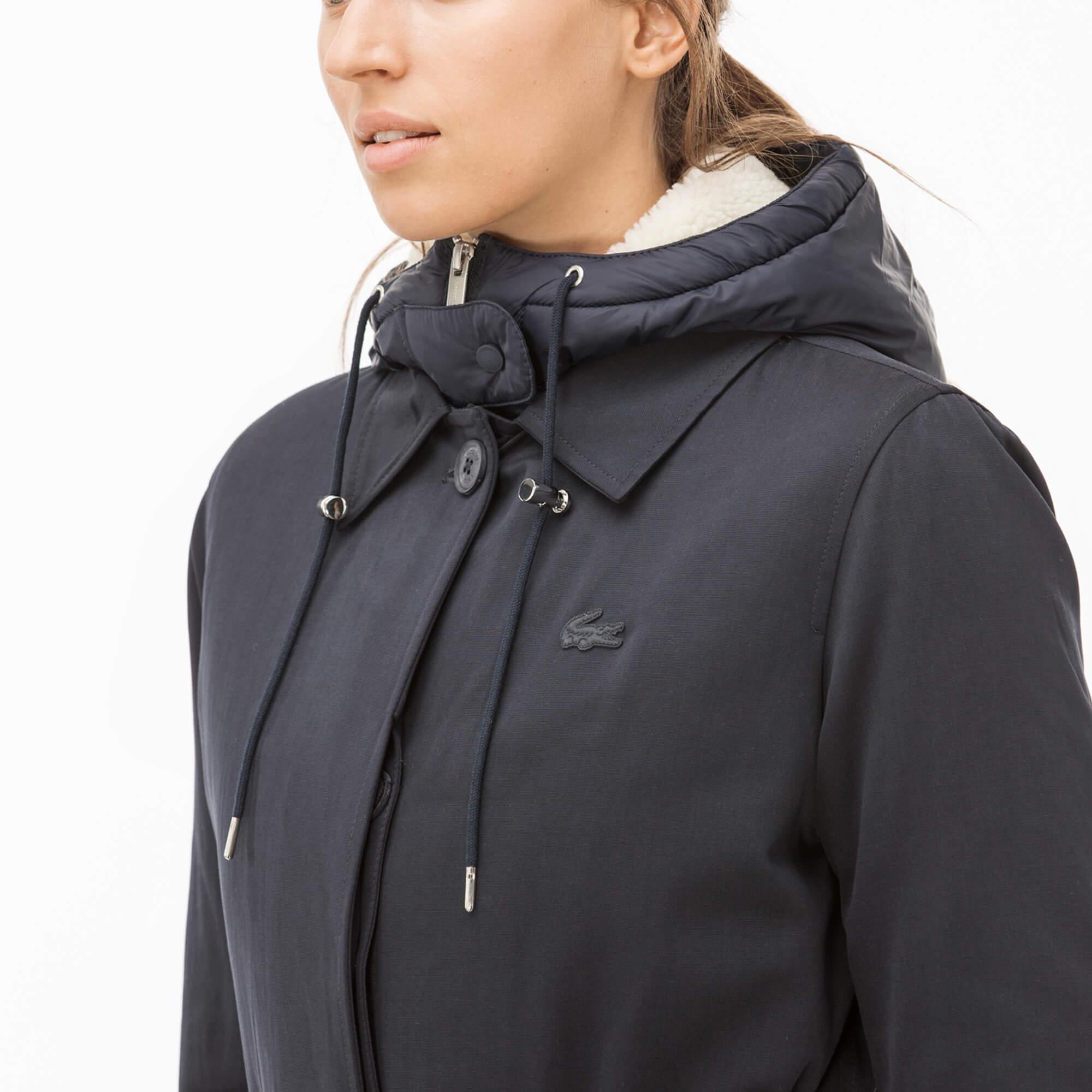 Фото 3 - Куртку Lacoste темно-синего цвета