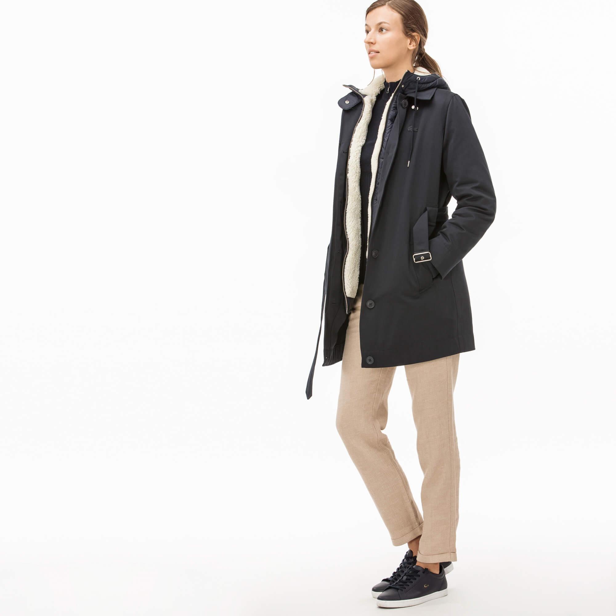 Фото 5 - Куртку Lacoste темно-синего цвета