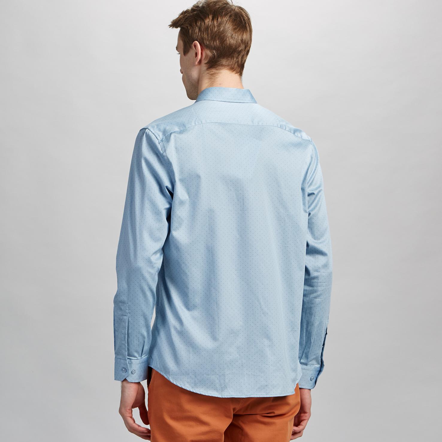 Фото 4 - Мужскую рубашку Lacoste голубого цвета