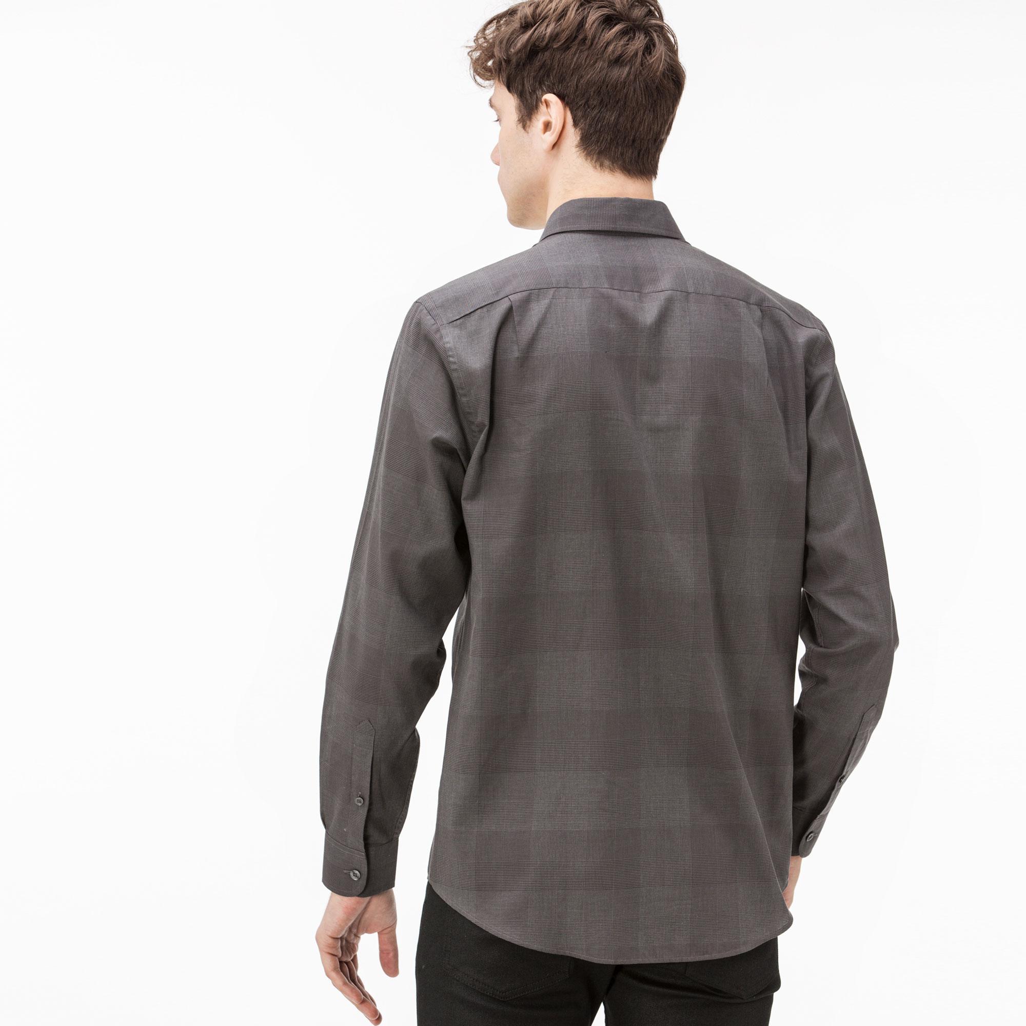 Фото 4 - Мужскую рубашку Lacoste серого цвета