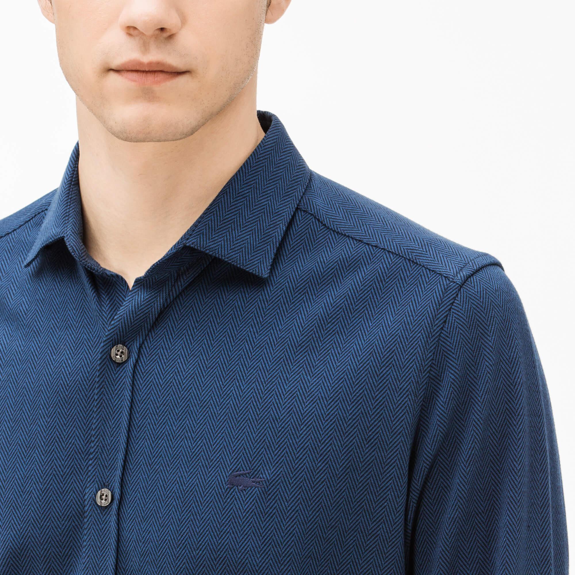 Фото 2 - Мужскую рубашку Lacoste темно-синего цвета