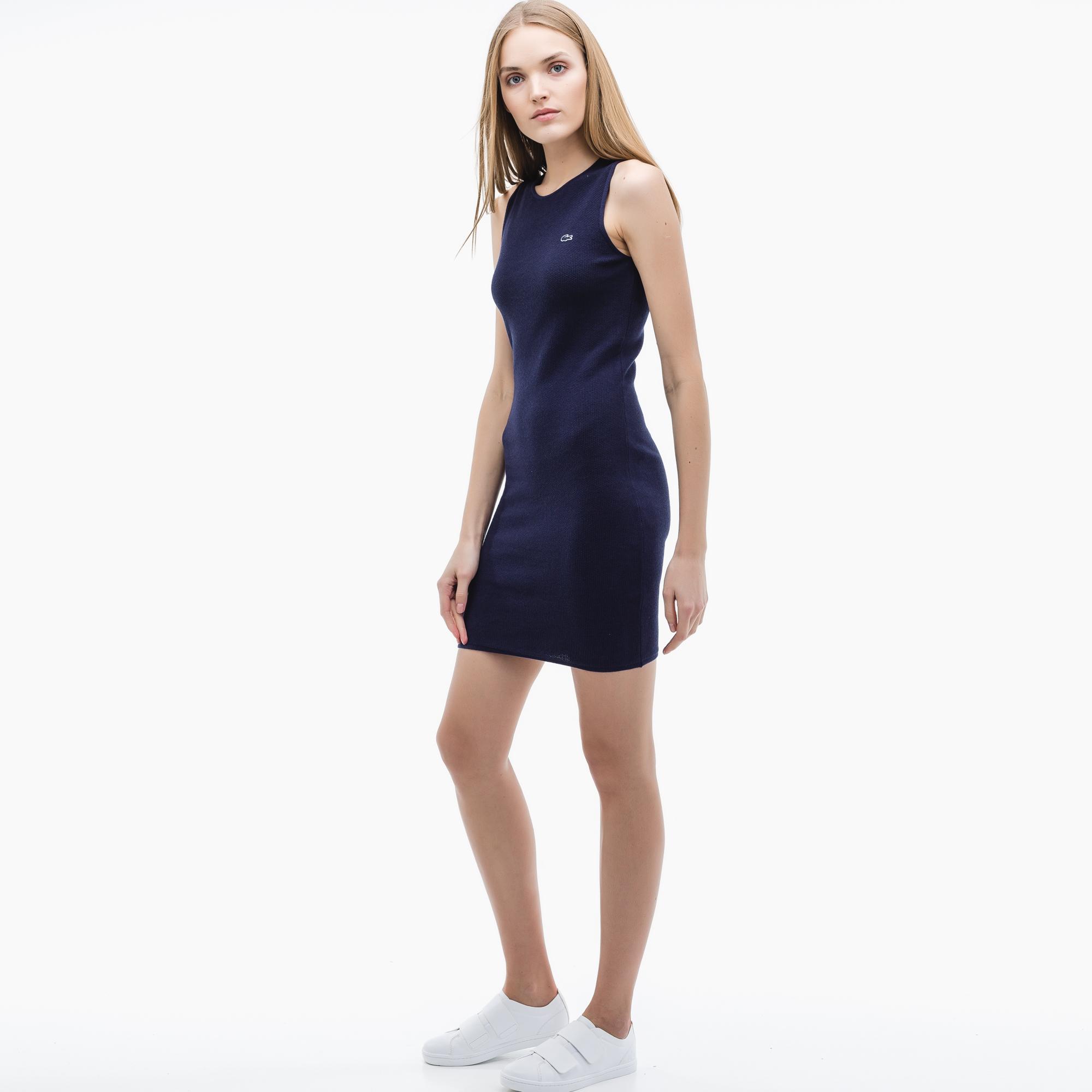 Фото - Женское платье Lacoste синего цвета