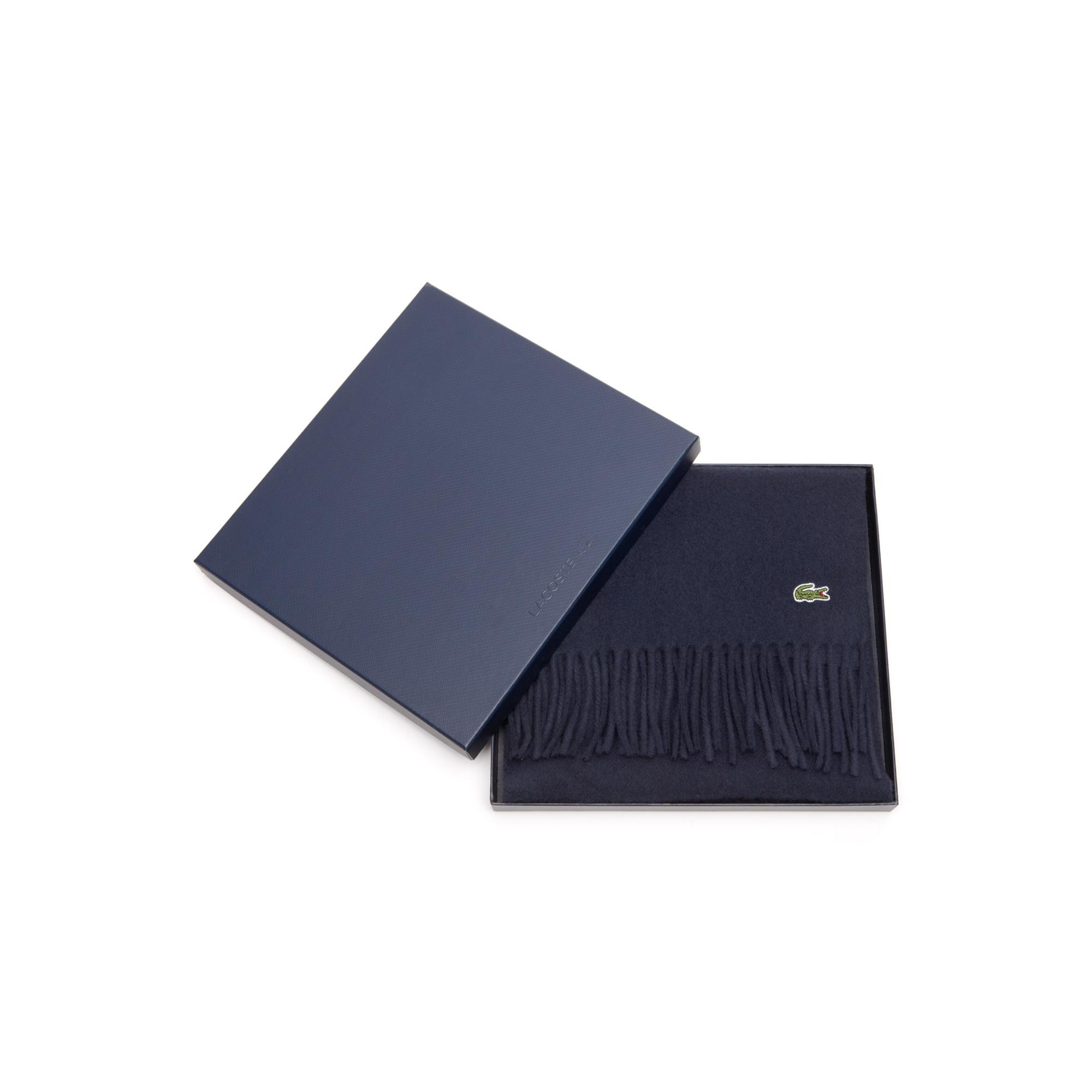 Шапка  темно-синий цвета